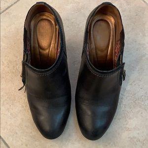 Black heel boot 8